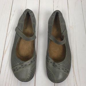 Taōs Gray Velcro Straps Flats Shoes size 38